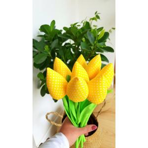 Tulipany żółte w kropeczki