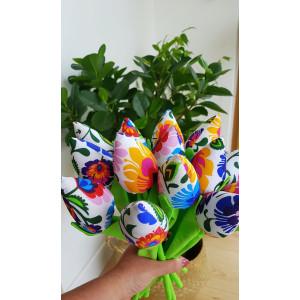 Tulipany we wzór łowicki